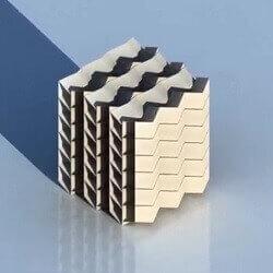 ساخت سازه های اوریگامی صلب با لوله های کاغذی