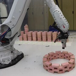 VUW - ABB Robot Builds Parametric Wall
